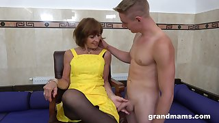 Horny GILF loves what she sees and that mature lady knows how to think the world of