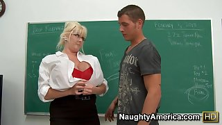 Mature Omnibus with big ass gets Anal sageness prevalent classroom