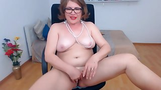 Wife Anna goes in the altogether and masturbate